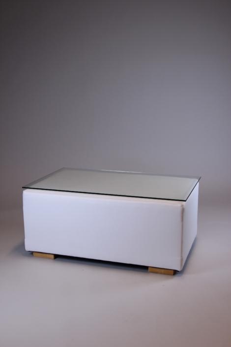 Loungetisch in weiß bei Deko-Tec mieten