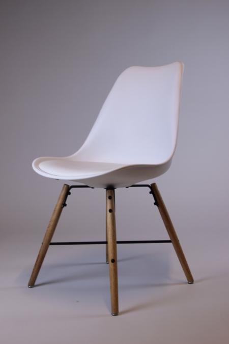 Designstuhl in weiß bei Deko-Tec miete