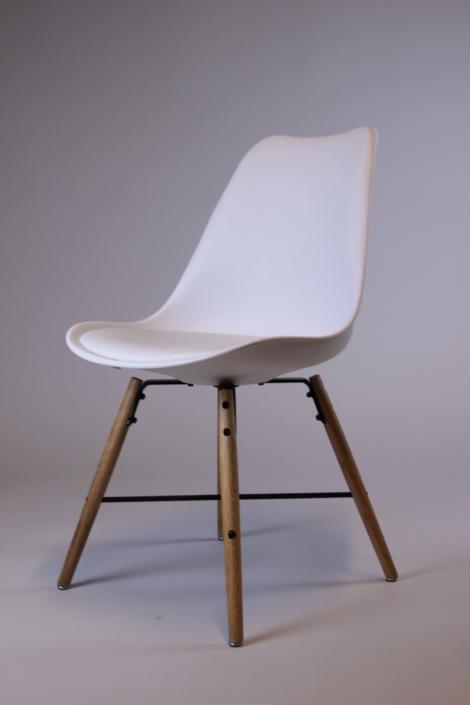 Designstuhl in weiß bei Deko-Tec mieten