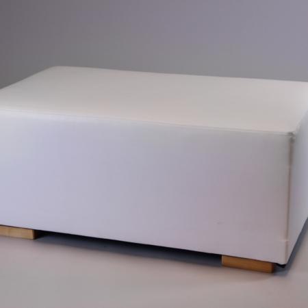 Loungehocker Cosy in weiß bei Deko-Tec mieten
