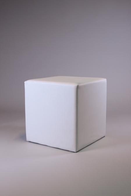 Sitzwürfel in weiß bei Deko-Tec mieten