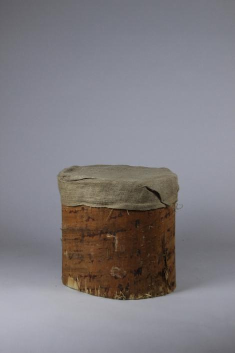 Lounge Hocker aus Holz bei Deko-Tec mieten