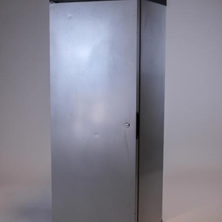 Kühlschrank groß bei Deko-Tec mieten