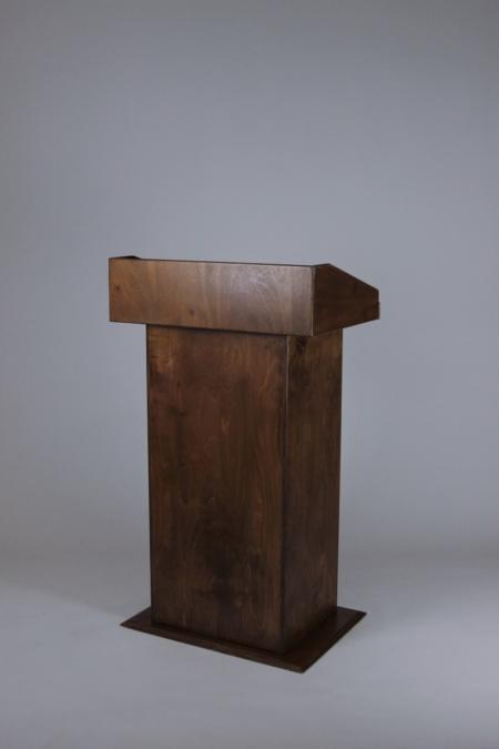 Rednerpult aus Holz bei Deko-Tec mieten