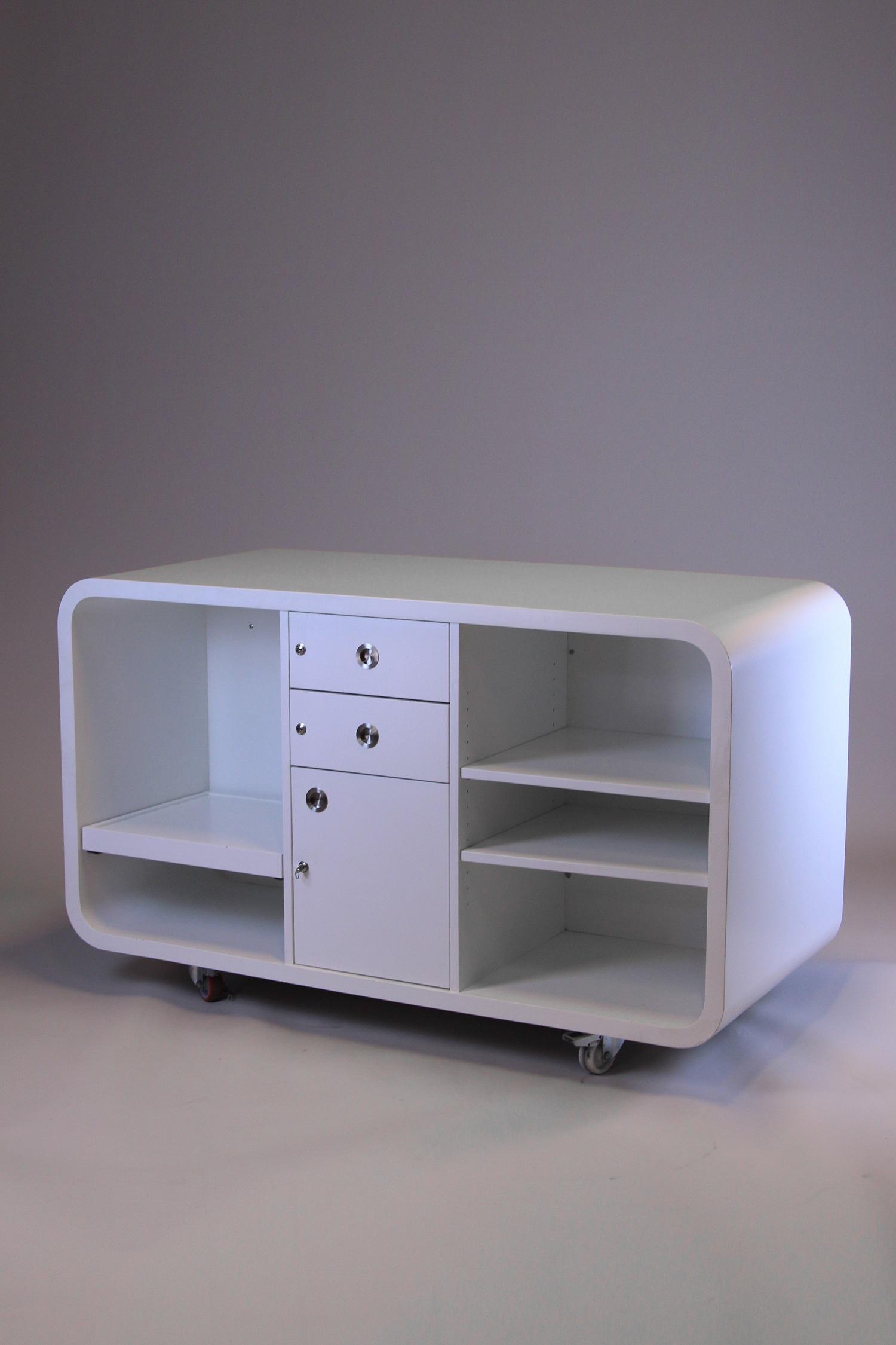 multifunktionstheke in wei mieten event mobiliar von deko tec. Black Bedroom Furniture Sets. Home Design Ideas