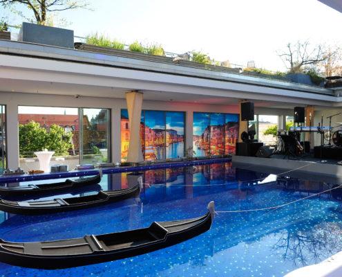 DAB Bank Sommerfest Bayerischer Hof Pool mit Gondeln